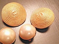 2 PAIRS OF VINTAGE VANDOME CLIP EARRINGS~PEARL & LARGE ROUND METAL Whitchurch-Stouffville
