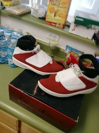 pair of white-and-red Nike sneakers Sacramento, 95823