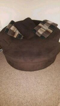 brown oversized swivel chair  West Des Moines