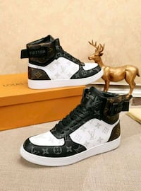 LV hightops size 10 Montreal, H3W 1H1