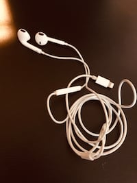 iPhone headphones 3mm Oxon Hill, 20745