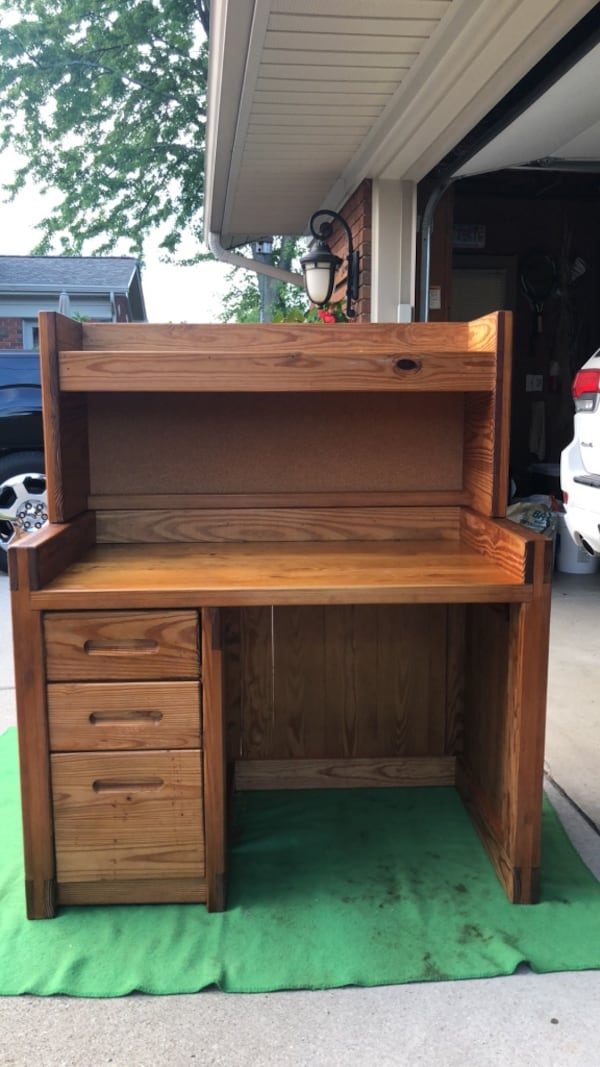 Desk-(This End Up Furniture ) 2433fd35-cd4e-4830-8744-3ad20f7b3b85