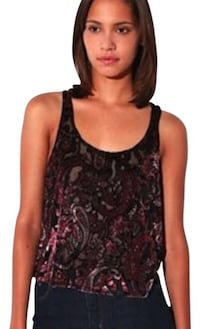 Urban outfitters velvet floral crop top Alexandria, 22302