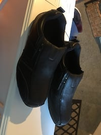 Men's casual black shoes size 12 but fit more like 11 NEW never worn