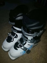 Girls Salomon Ski Boots