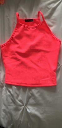 HOT PINK CROP TOP. SIZE SMALL Toronto, R0B