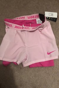 Nike Dry Fit Shorts with spandex attached inside size: Medium Brampton, L6Y