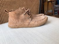 Brand new size 7 ugg moccasin  Southwold, N5P