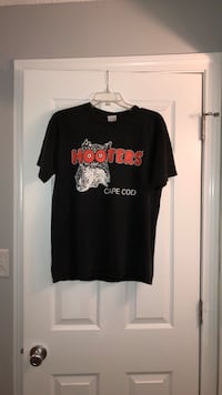 Hooters T-Shirt  Lowell, 01851