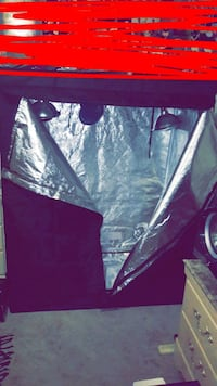 black and gray zip-up grow tent new Youngstown, 44507
