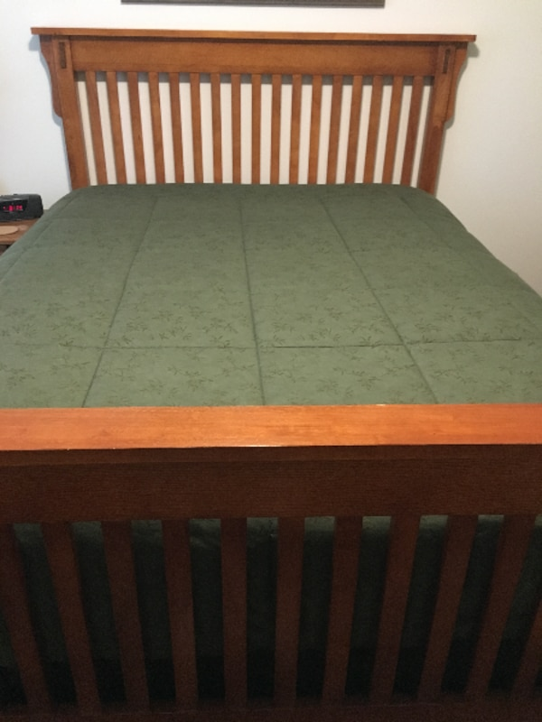 Used Oak Queen Bed Frame With Sealy Posturepedic Plush Mattress Box Spring For In Tualatin