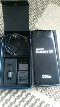 Samsung s8 unlocked 64 gb like new Mississauga, L5C 2E7