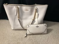 Authentic Coach Wallet and Purse Thornton, 80241