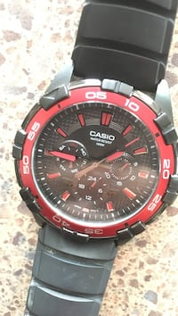 Round black and red chronograph watch Wilmington, 19804