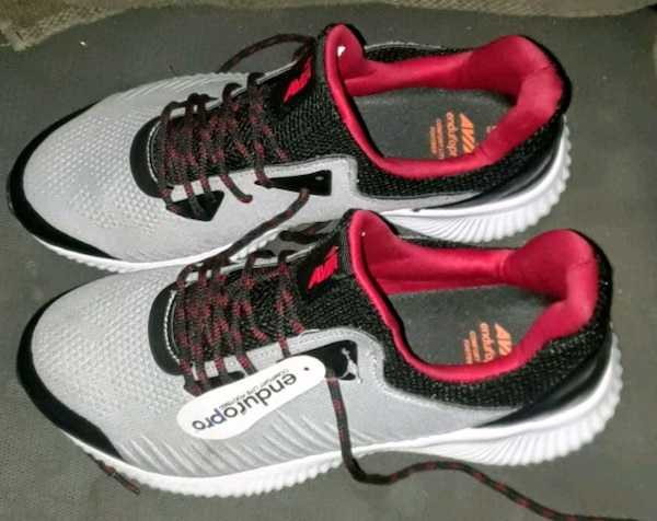 540f668273ec Used Men s Avia Running Shoes 9.5 for sale in Oakland - letgo