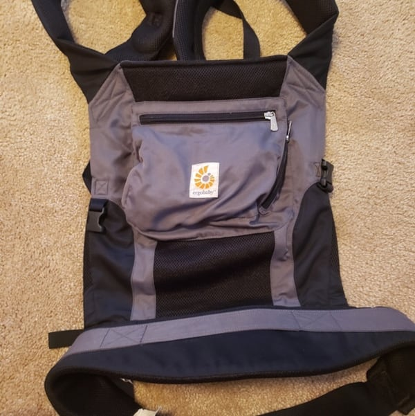 Ergo baby perfomance breathable mesh carrier  bb26f9c6-32ec-48a8-9474-5b12cd840d58