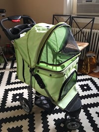 baby's green and black stroller Takoma Park, 20912