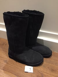 Black boots size 7 with sheepskin inner  London, N6B