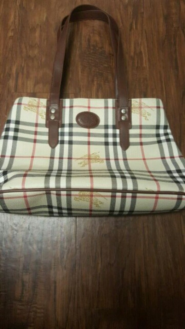 ecf65e011ecd Used Authentic burberry purse for sale in Irving - letgo