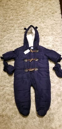Brand new snow suit 6-9months