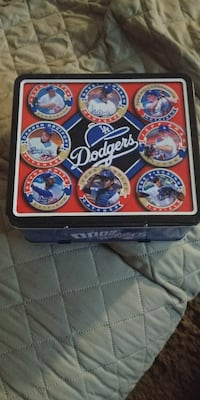 NEW 2000 DODGERS LUNCH BOX