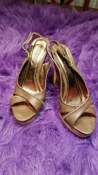 pair of brown leather open-toe heeled sandals 3120 km