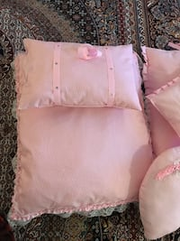 pink and white throw pillow Toronto, M1T 2M4