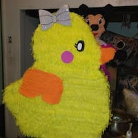 yellow duck pinata Fontana, 92335