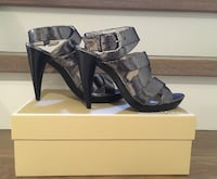 Michael Kors (NWB) Silver/Pewter Leather Sandal Size: 6 1/2 Mississauga, L5E 2S2