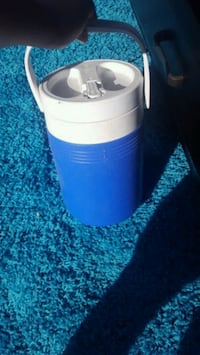 white and blue plastic container Fairfield, 94533