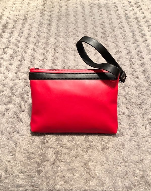 Kendall & Kylie Red Wristlet Paid $35 1
