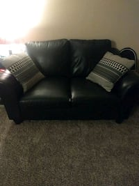 black leather 2-seat sofa Smyrna, 37167