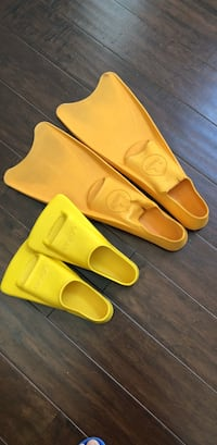 pairs of yellow flippers Sunnyvale, 94085