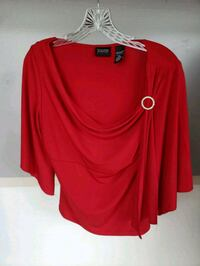 red scoop-neck long-sleeved shirt Clinton