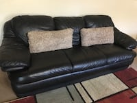 Black leather couch/comfy sofa( in excellent condition) Franklin, 37067
