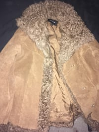 brown and white fur coat Woodford, 22580