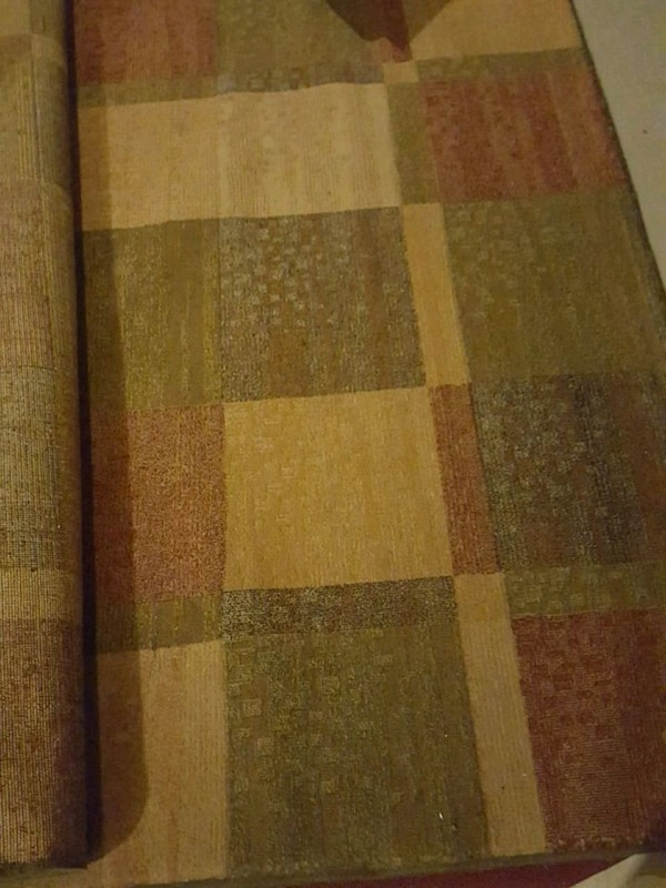Used 5x7 Rug Gold Maroon Green For Sale In Dracut Letgo