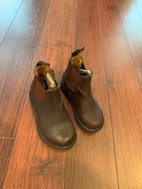 Kids Blundstone boots (brown leather) Surrey, V3S 4C5