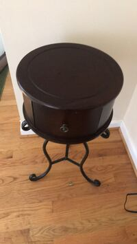 Moving sale small side table with drawer price negotiable Suitland