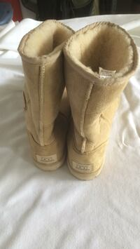 Ugg boots size 12mens Great Falls, 22066