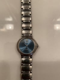**EXCELLENT CONDITION STAINLESS STEEL BLUE DIAL LADIES FOSSIL WATCH** Midlothian, 23112
