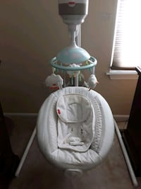 Electric baby swing Fisher price Columbia