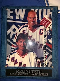 Gretzky ,messier reunion plaque  Ingersoll, N5C 3R2