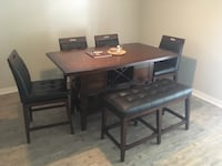 Rectangular brown wooden table with chairs Birmingham, 35203