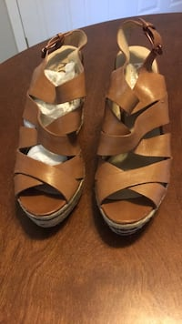 Michael KORS wedge platform sandal Size 8 Rockville, 20851