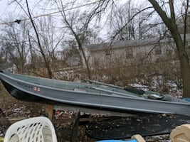 14 ft boat with title