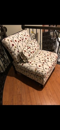 Multi-colored great quality high end chair.  Goes with all decor Woodbridge, 22191