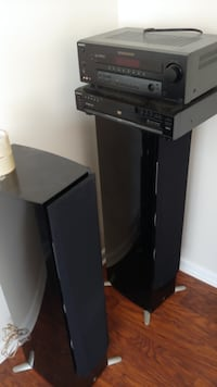 Sony/Yamaha stereo system with separate sub woofer and 6 speakers. TOTAL SYSTEM FOR $100 COMPLETE