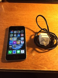 Space gray iphone 6 with charger Chantilly, 20152