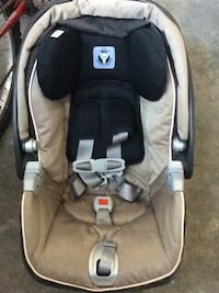 baby's gray and black Chicco car seat carrier Cambridge, N1T 1P7